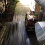 Weg aus Holz für Terrasse